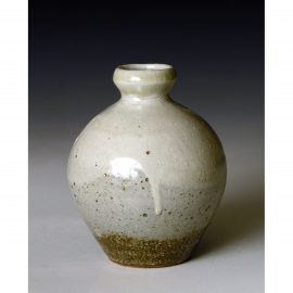 PR384    Small bottle or Bud vase.