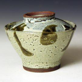Hj82a A covered Rice Bowl by Hamada Shoji