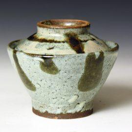 HJ82c  A covered Rice Bowl by Hamada Shoji.